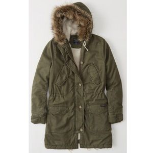 Abercrombie & Fitch Sherpa-Lined Parka
